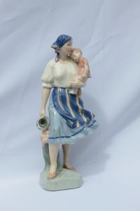 Figurka ženy s dieťaťom 31
