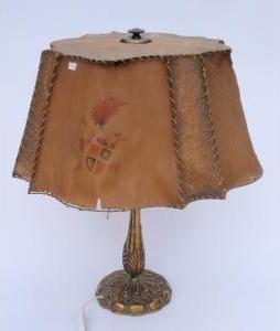 Stolová lampa s mosadznou konzolou 7441